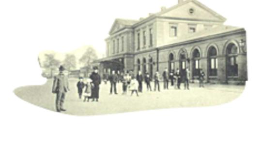 Station Op Wielen Houten.Het Station Entoen Nu